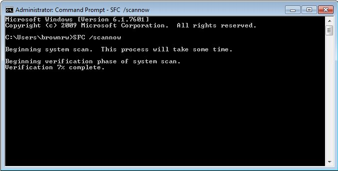 Command prompt window showing the progress of system file checker