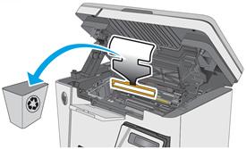 Rimozione dell'imballaggio dall'interno della stampante.