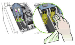 Image: Clean the electrical contacts inside the printhead slot
